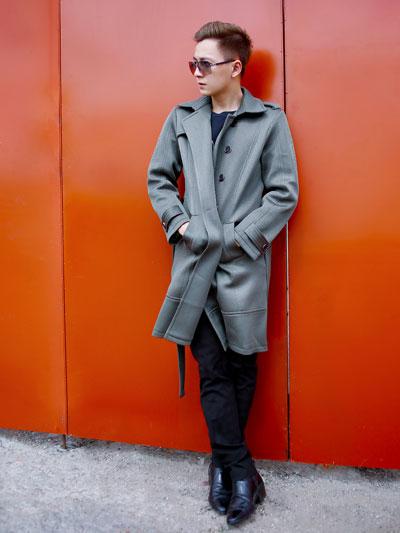 Ngô kiến huy với chiếc áo khoác vừa cổ điển vừa hiện đại thật sành điệu