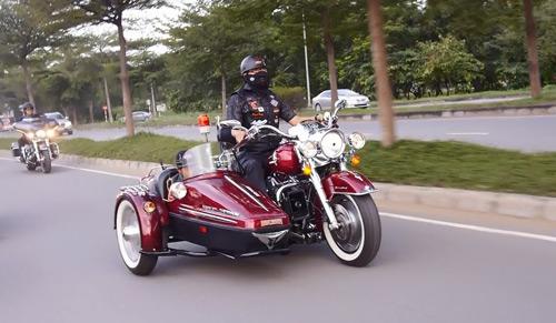 Harley-davidson khủng trong đêm hội harley night born to ride