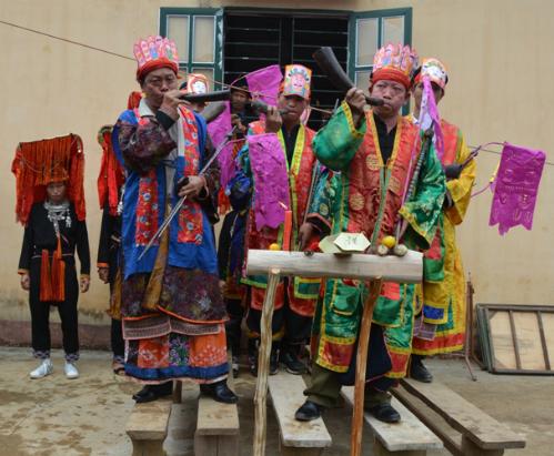 Nghi lễ cấp sắc 12 đèn của dân tộc dao đỏ tại viễn sơn