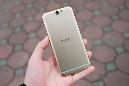 Những smartphone android cạnh tranh với iphone se