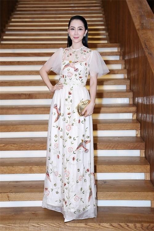 Top 10 mỹ nhân việt với trang phục dạ hội lộng lẫy