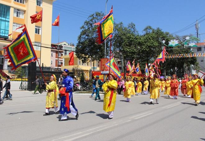 Tưng bừng lễ hội đền kỳ cùng - tả phủ ở lạng sơn