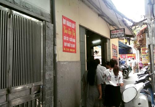 Đặc sản bún đậu xếp hàng ở phố cổ hà nội