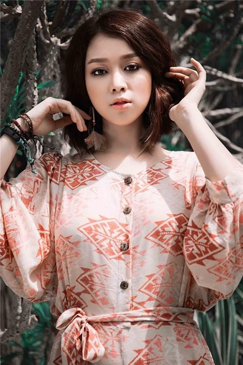 Trương tùng lan nổi bật với phong cách bohemian style
