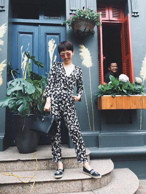 Ngắm mỹ nhân việt diện đồ đủ kiểu đón hè trên phố
