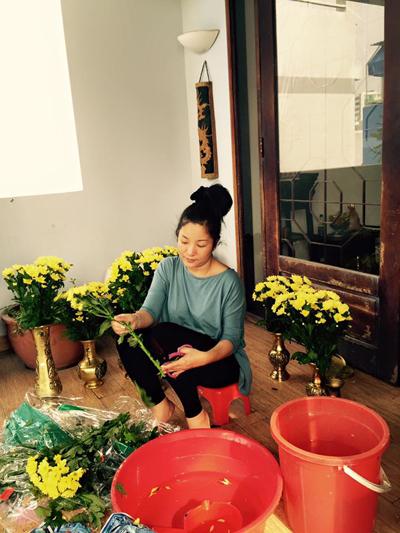 Ngắm ngôi nhà hoa phủ khắp nơi của thúy nga