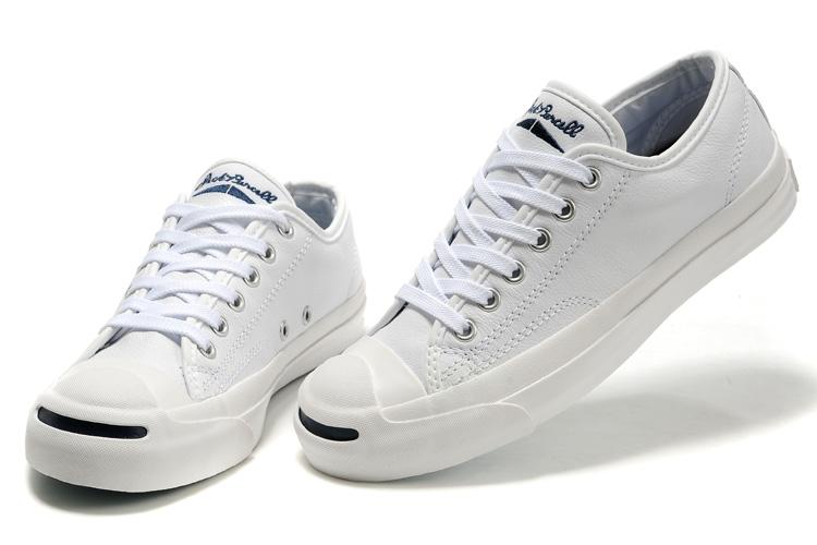 10 kiểu giày thể thao đậm chất phái mạnh và không bao giờ lỗi mốt