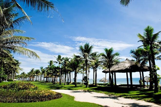 Ghé thăm thiên đường nghỉ dưỡng ở vùng gió lào cát trắng