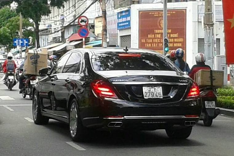Hình ảnh 5 chiếc xe siêu sang mercedes maybach s600 ở sài gòn