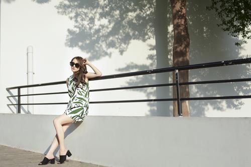 Nhã phương khoe vẻ đẹp dịu dàng trong trang phục xuân hè