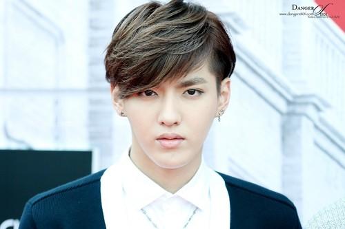 Những kiểu tóc nam ngắn phong trần của sao kpop