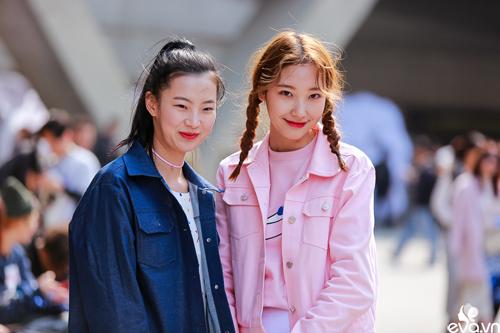 Street style của những thiên thần nhỏ tại seoul fw