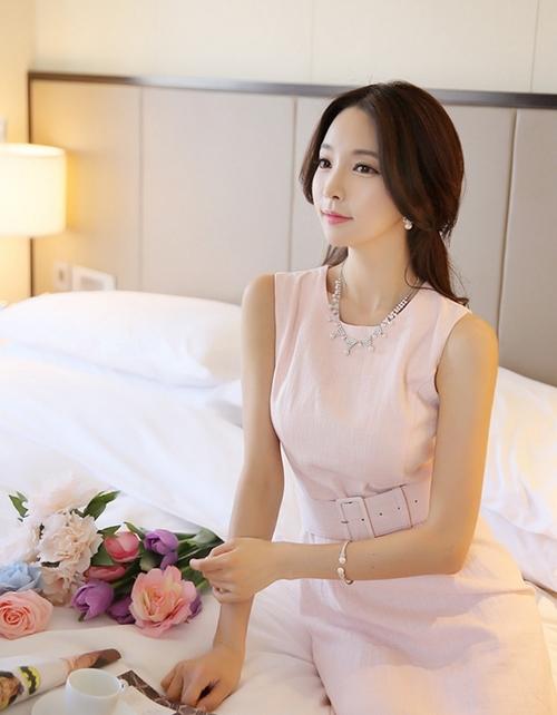 Váy đầm đơn sắc cho nàng thêm quyến rũ sang trọng