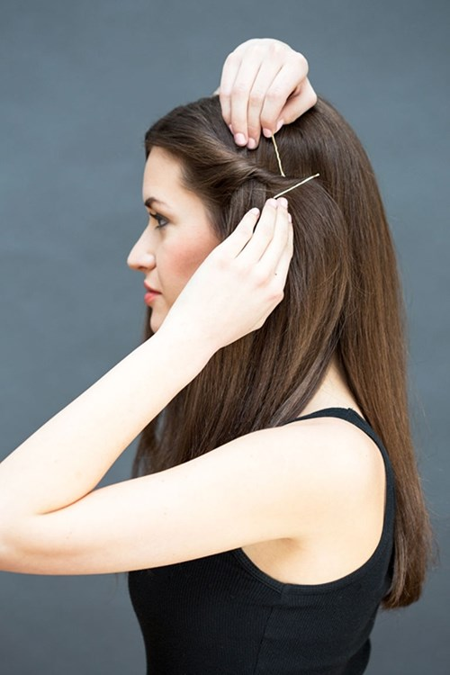 Chỉ mất 10 giây bạn đã có ngay kiểu tóc xinh lung linh