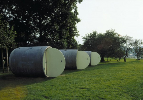 Những căn nhà tươm tất trong ống cống
