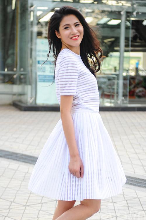Mốt váy công sở thổi bay nắng nóng