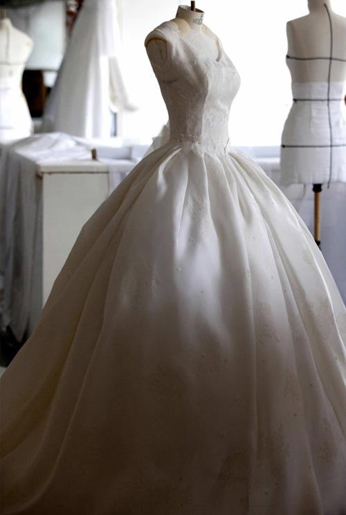 Có thể bạn chưa biết váy cưới của angela baby có giá hơn 900 tỷ đồng