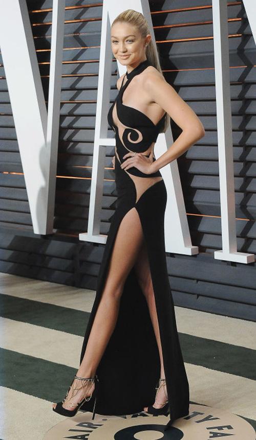 20 chiếc váy khiến sao quốc tế gợi cảm nhất