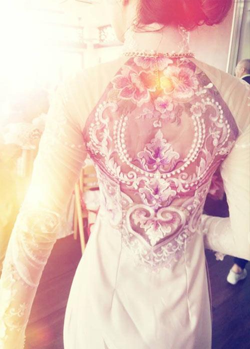 Chi tiết chiếc áo dài ăn hỏi đẹp như trong mơ của đinh ngọc diệp