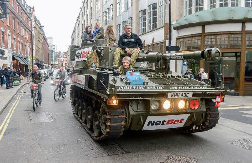 Khám phá london trên xe tăng