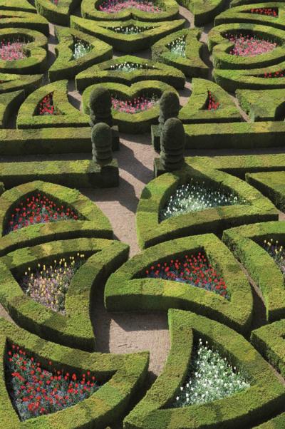 khu vườn italy tỏa sáng trên nữ trang bvlgari