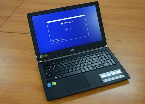 Laptop chuyên game và giải trí dáng mỏng nhẹ của acer