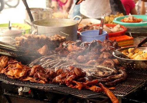 Ngắm hình ảnh món ăn khiến phố hoàng cầu đông nghẹt khách