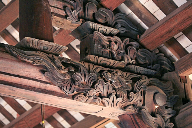 Tham quan nhà thờ gỗ không dùng đinh ở nam định