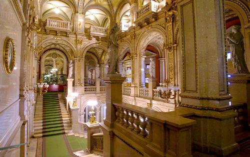 Vẻ đẹp của nhà hát opera thành phố vienna