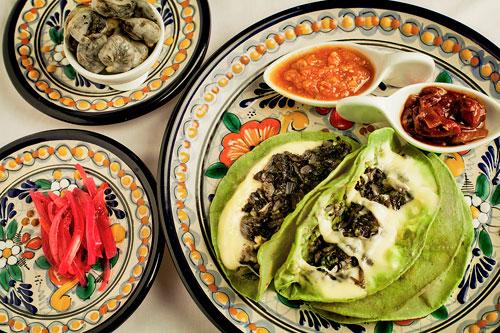 Nấm cục mốc thếch - món ngon của mexico