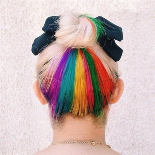 Mốt nhuộm tóc giấu màu cho những cô nàng nhút nhát