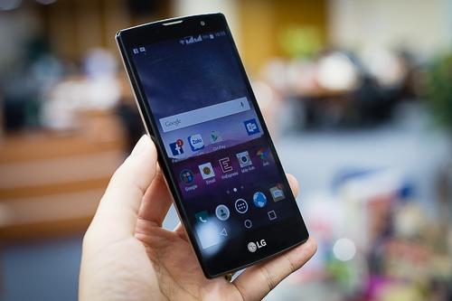 5 smartphone chuyên selfie giá rẻ