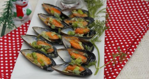 Chua dịu ngọt ngào với món gỏi tỏi và hàu son trên đảo lý sơn