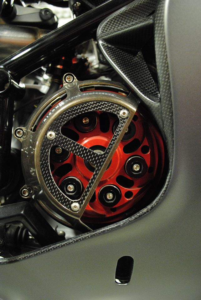 Chi tiết superbike ducati 999 phiên bản carbon fiber