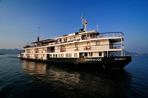 Du lịch nghỉ dưỡng trên vịnh hạ long cùng du thuyền 5 sao