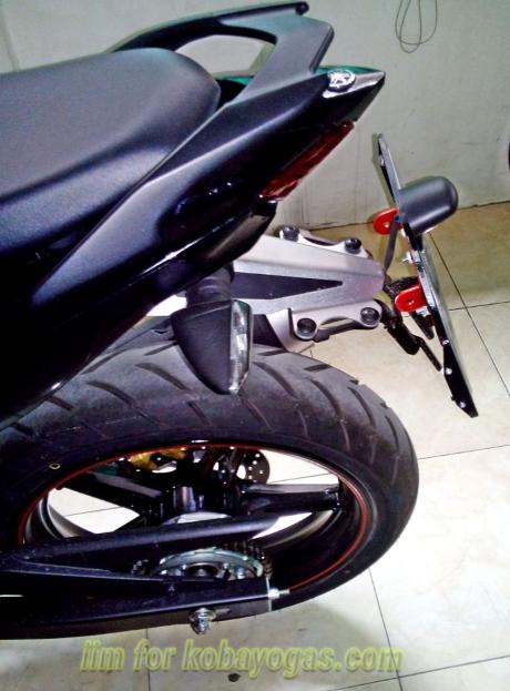 Exciter 150 với cách độ pass biển số đơn giản của biker indonesia
