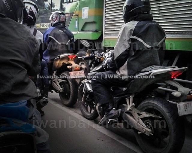 full hd động cơ của chiếc nakedbike yamaha mt-25