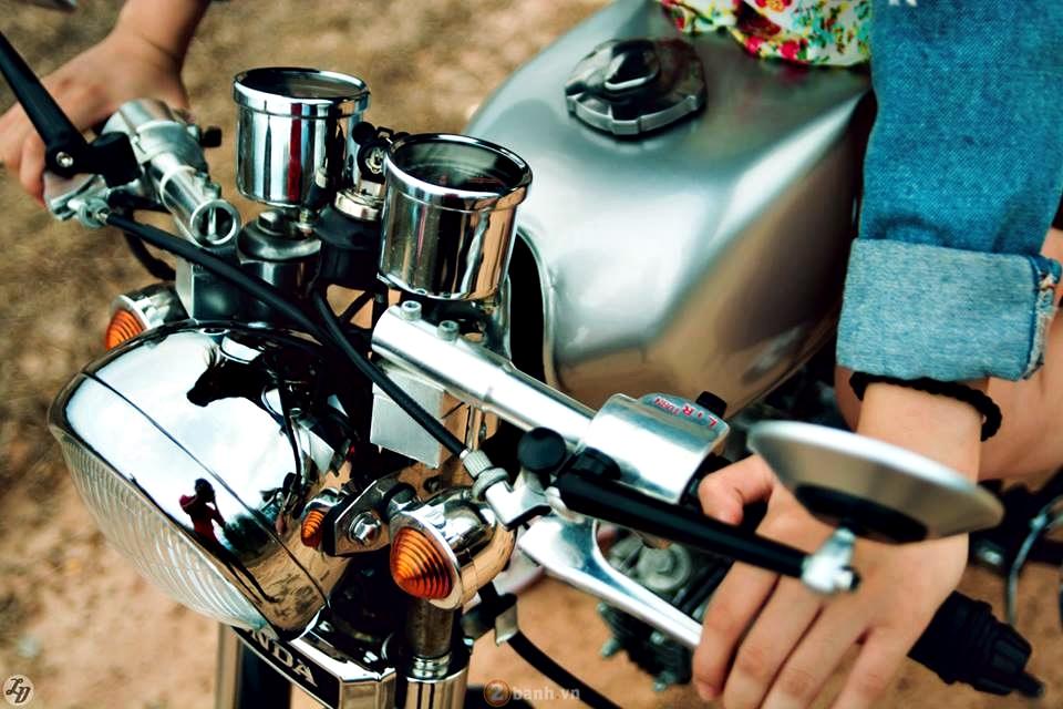 Honda 67 độ phong cách cafe racer