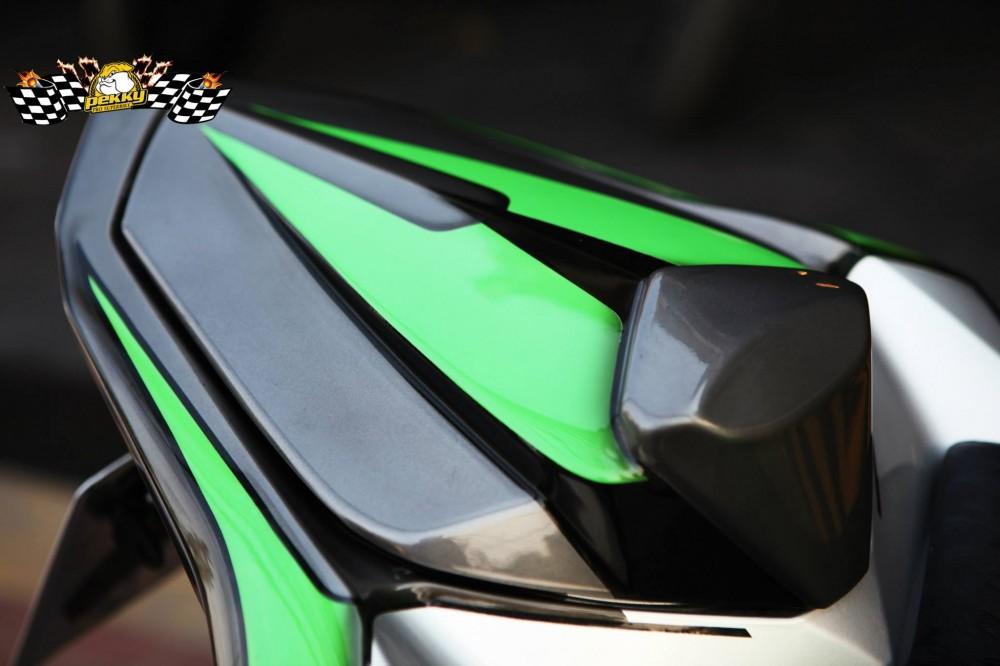 Kawasaki z800 phiên bản sắc xanh nổi bật