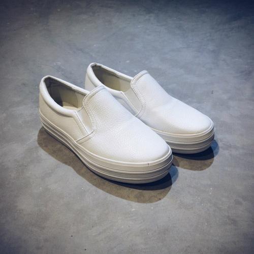 Khảo giá giày lười thể thao rẻ khỏe êm