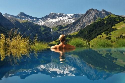 Kinh ngạc với 10 bể bơi lơ lửng trên không đẹp nhất thế giới