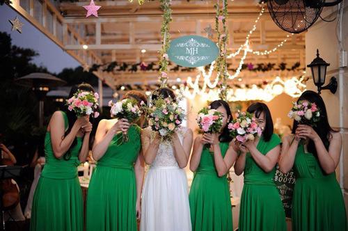 Lạc vào thế giới của các nàng phù dâu xinh đẹp