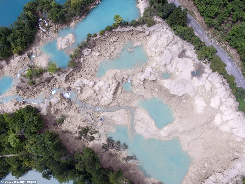 Cửu trại câu bị động đất phá hủy nặng nề