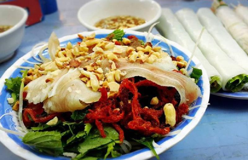 Những khu ăn vặt nổi tiếng cái gì cũng có ở hà nội bạn nên ăn một lần