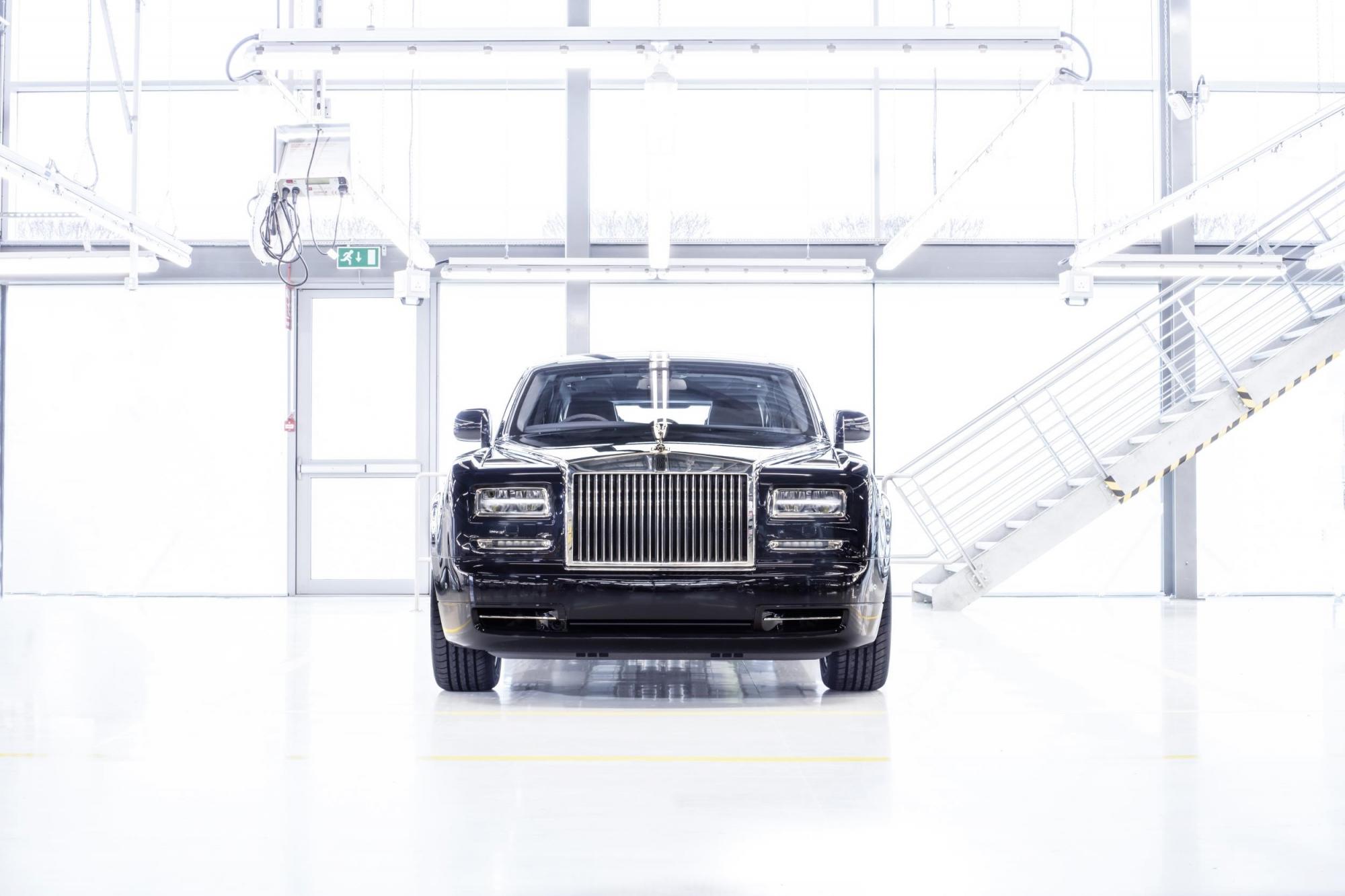 Xe siêu sang nước anhrolls-royce phantom cuối cùng xuất xưởng