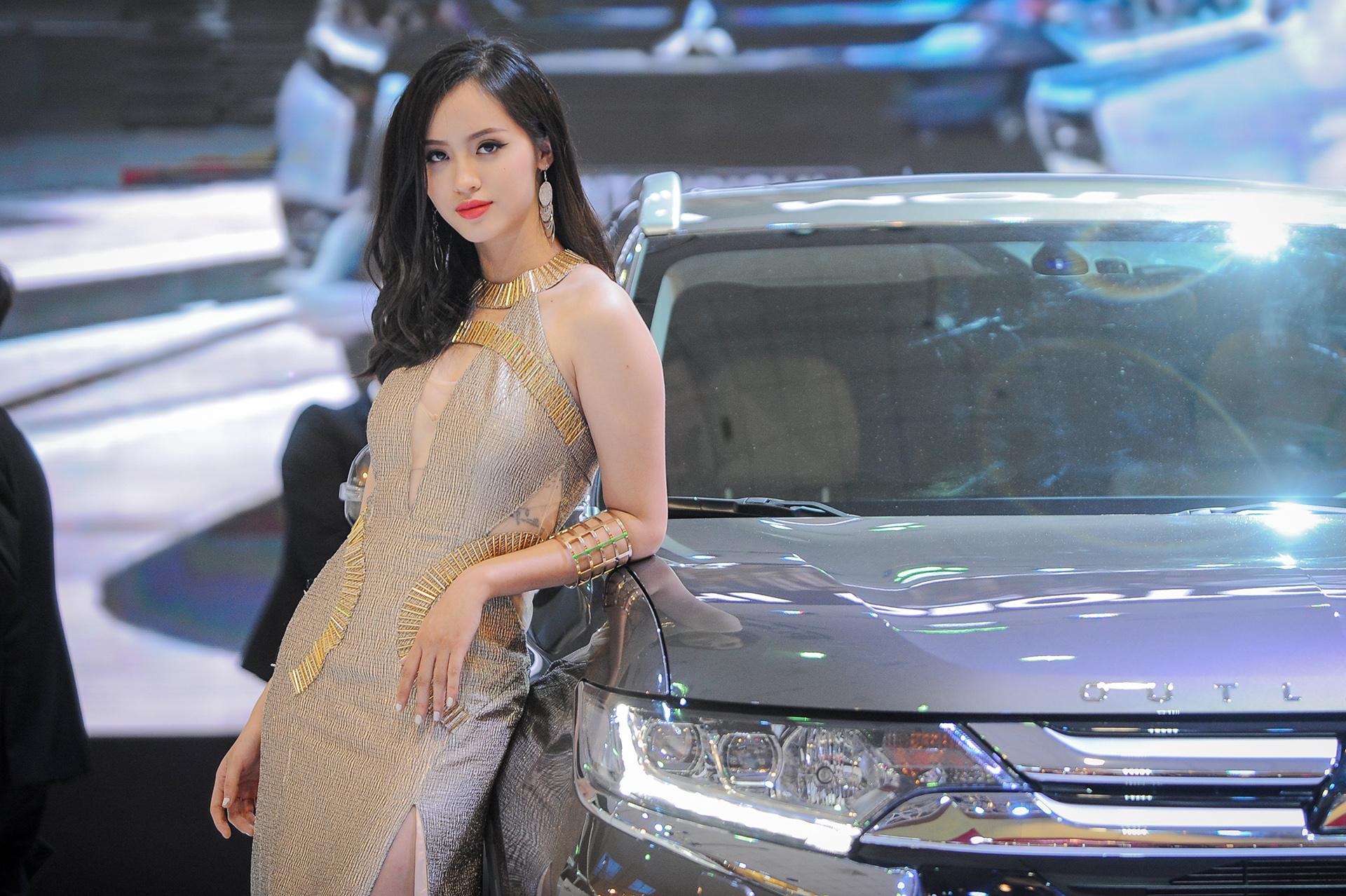 Dàn chân dài tại vietnam motor show siêu đẹp