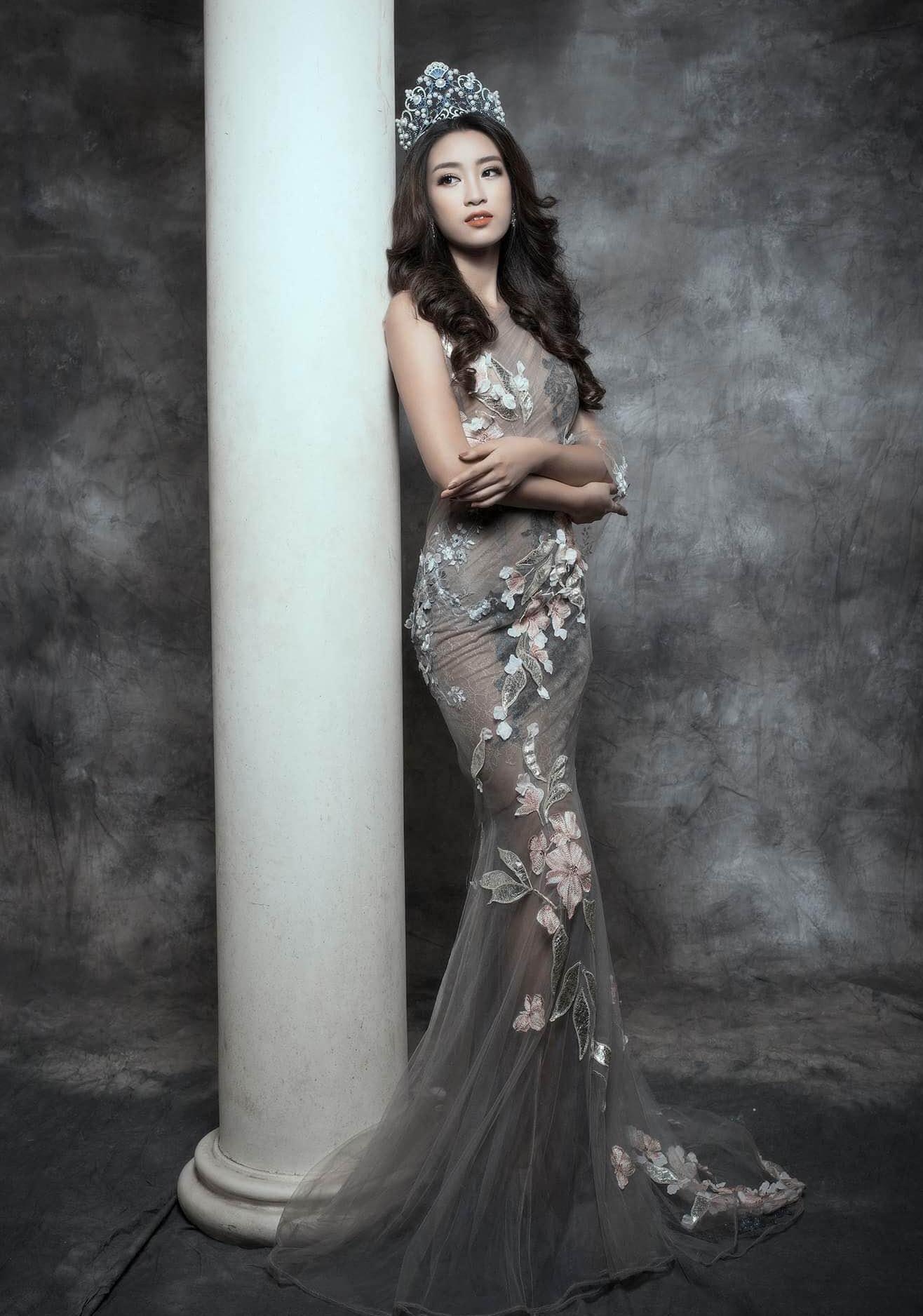 Hoa hậu đỗ mỹ linh quyến rũ trong thời trang dạ hội