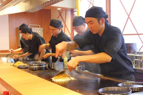 Khu ẩm thực thuần nhật giữa lòng sài gòn chuyên phục vụ các món ăn siêu ngon