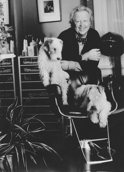 Dịch vụ cắt tóc xa xỉ dành cho giới nhà giàu ở mỹ giới sao hollywood